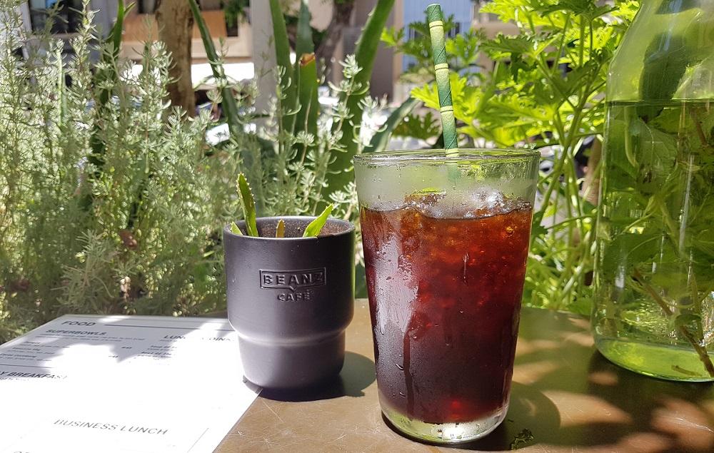 קפה קולד ברו מפולים של Beanz באורבן שאמן