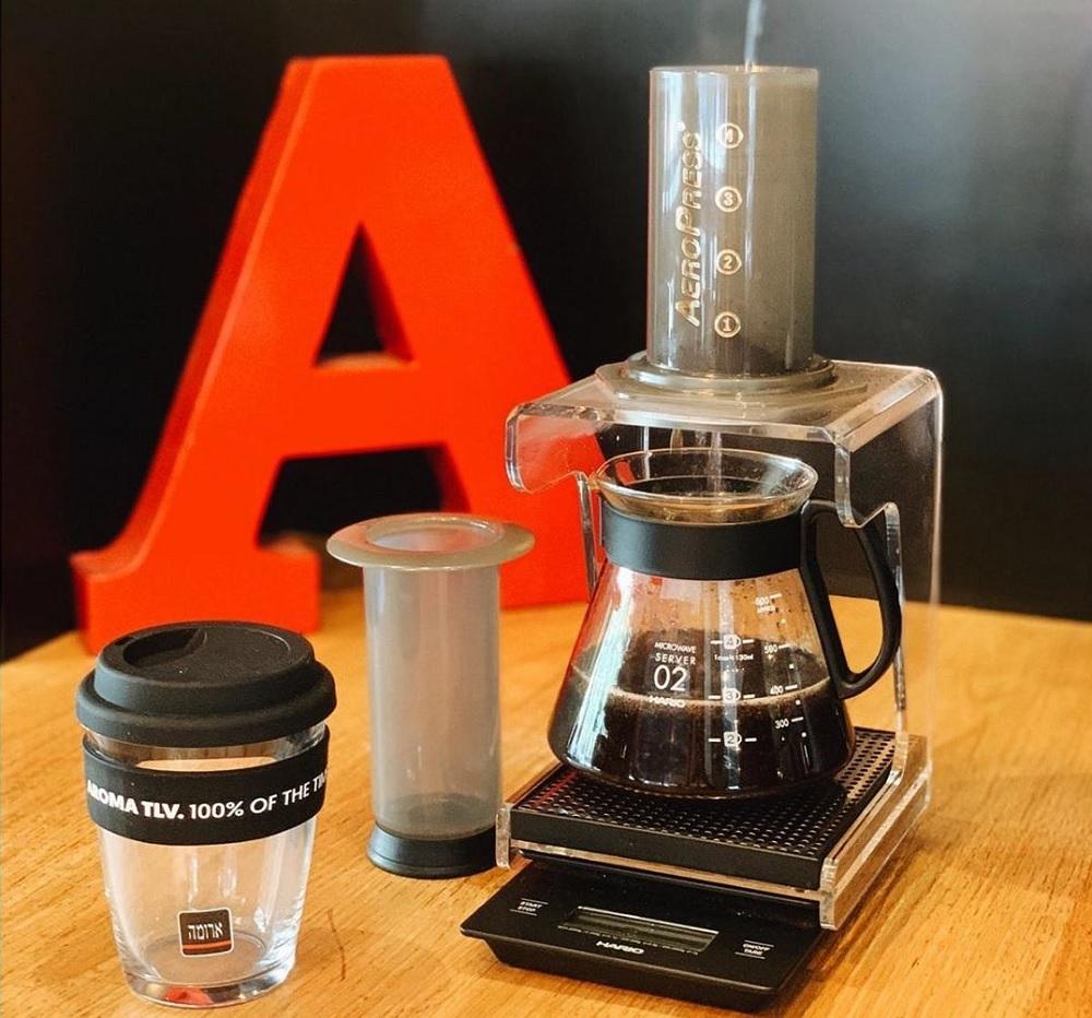 קפה של הגל השלישי ב-Aeropress. מתוך עמוד האינסטגרם של ארומה תל אביב