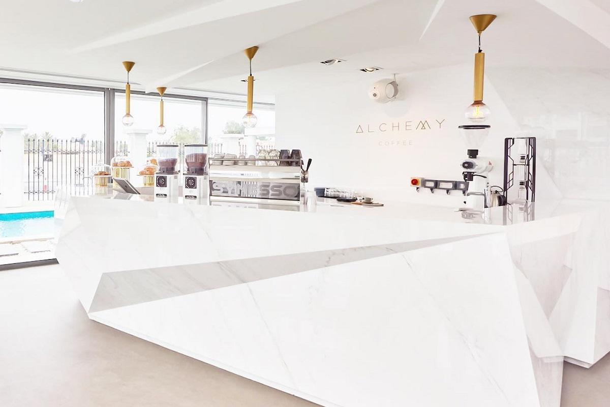בית הקפה Alchemy בדובאי שבאיחוד האמירויות