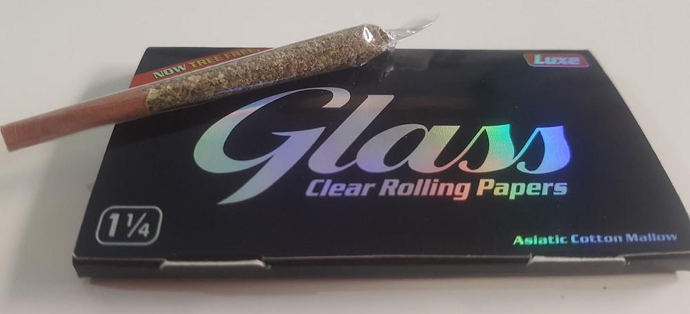 נייר גלגול שקוף של Glass. צילום: שותים