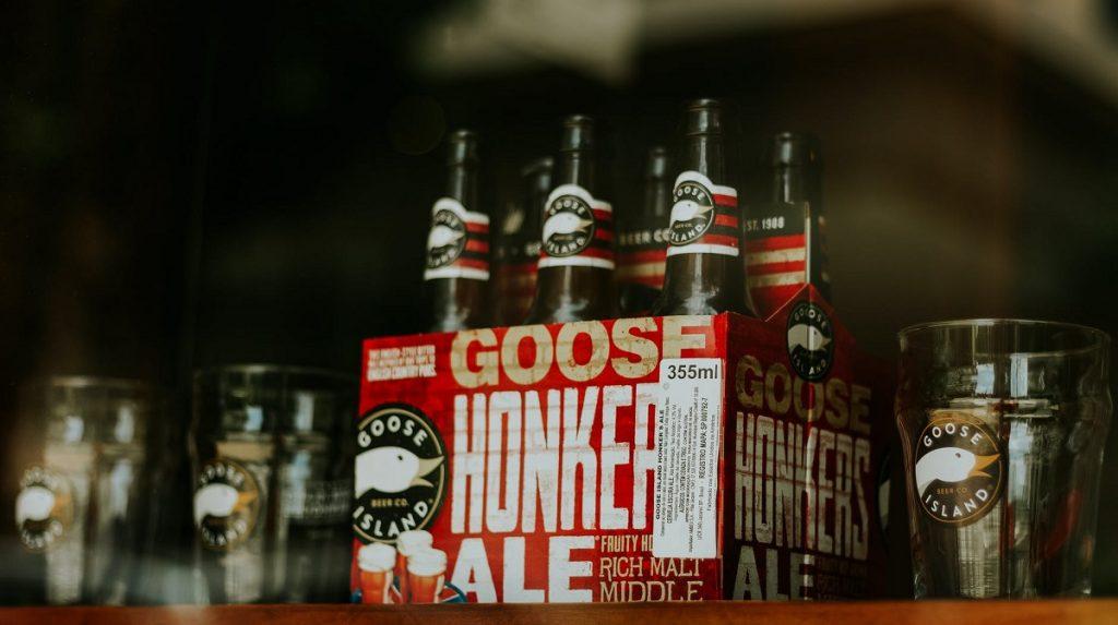 שישיית בירות Honker Ale של גוס איילנד. צילום: Marcelo Chagas