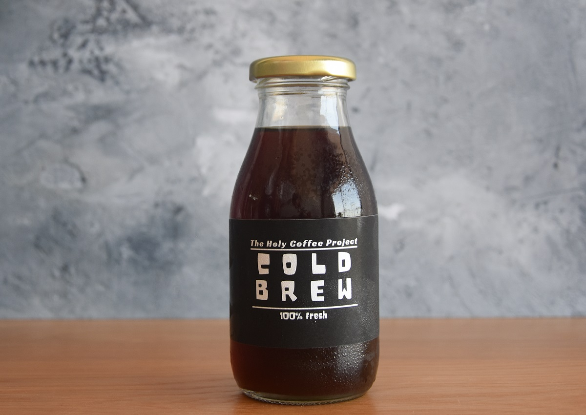 בקבוק קפה קולד ברו. צילום: Holy Coffee