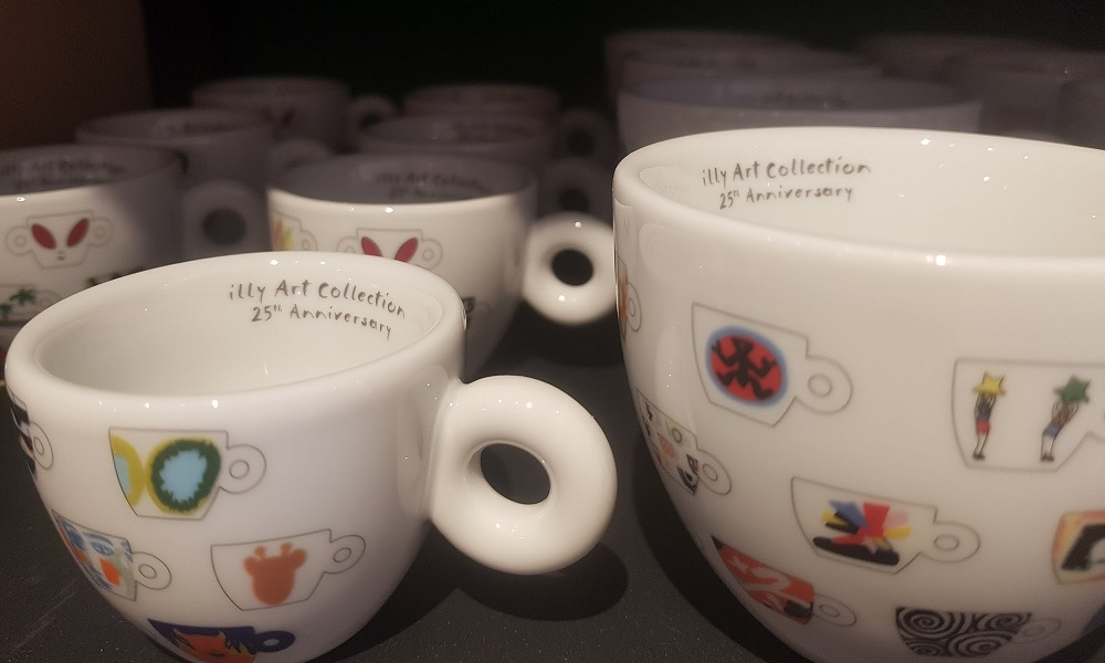 כוסות קפוצ'ינו ואספרסו של illy