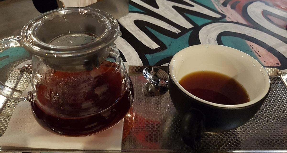 קפה דריפ V60 ב-Lo Fi ברחוב מונטיפיורי בתל אביב