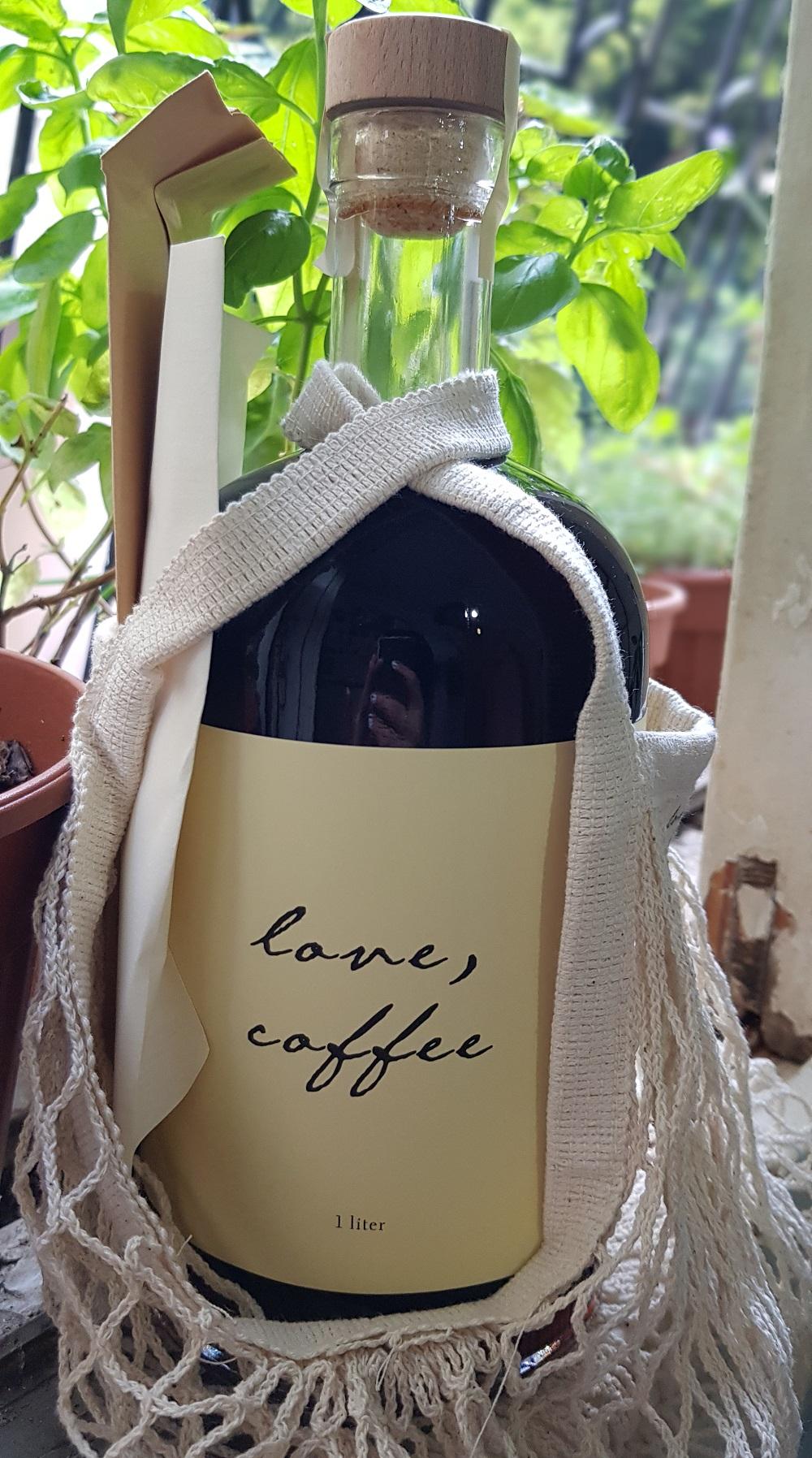 בקבוק קפה קולד ברו של love, coffee
