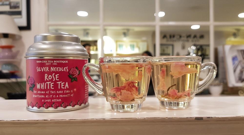תה לבן ורדים