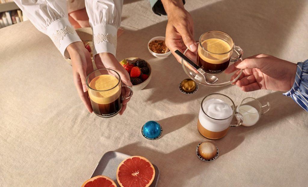 """שותים משקאות קפה של נספרסו ורטו. צילום: יח""""צ"""