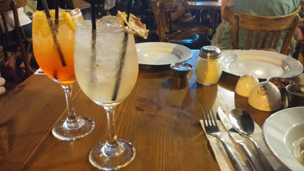 אפרול שפריץ ובליני ברומא. צילום: שותים