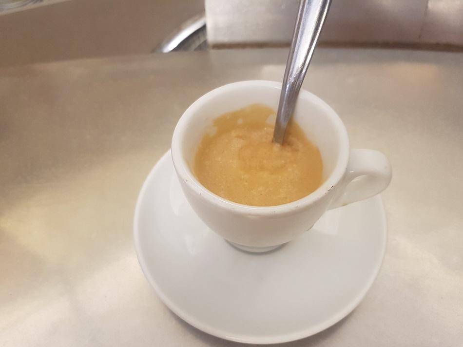 אספרסו עם קרמה מטורפת ב-Sant'Eustachio il Caffè | צילום: מגזין שותים