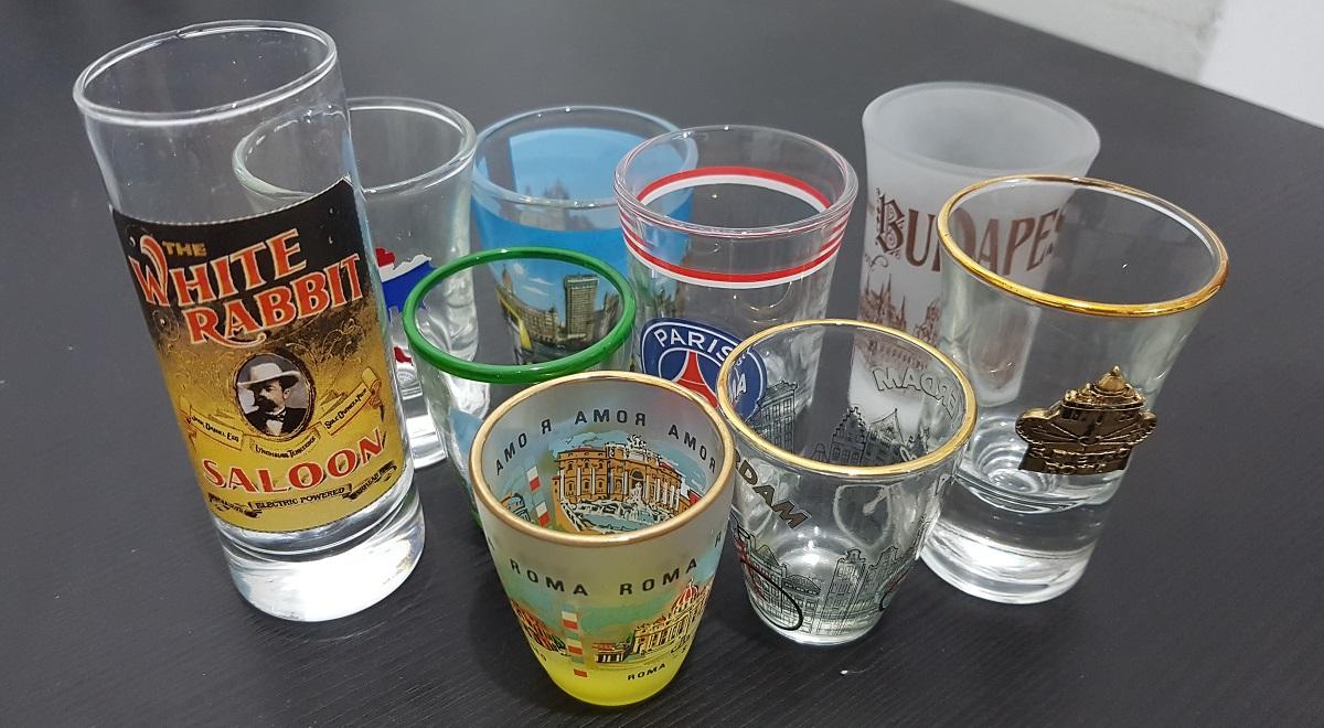 אוסף כוסות צ'ייסר מרחבי העולם