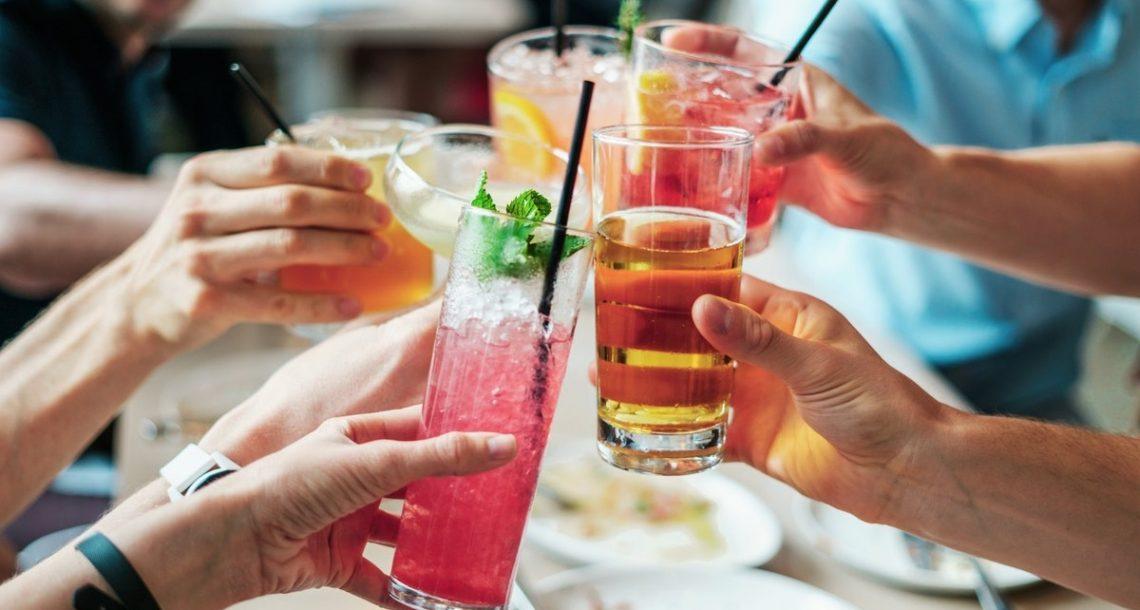 6 סוגי כוסות שצריך בכל בר משקאות ביתי שמכבד את עצמו