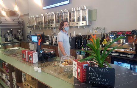חנות של Bialetti נפתחה באבן גבירול, עם ישיבה וקפה טרי בקלייה במקום