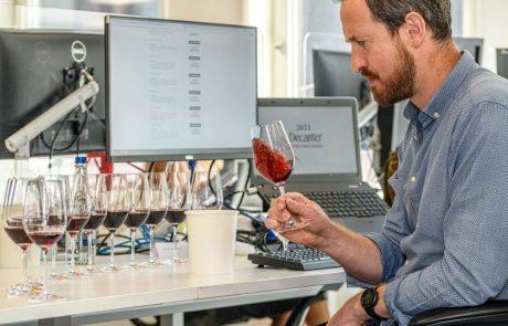 נציגות מכובדת של 79 יינות ישראליים זוכים בתחרות היין הבינלאומית DWWA 2021