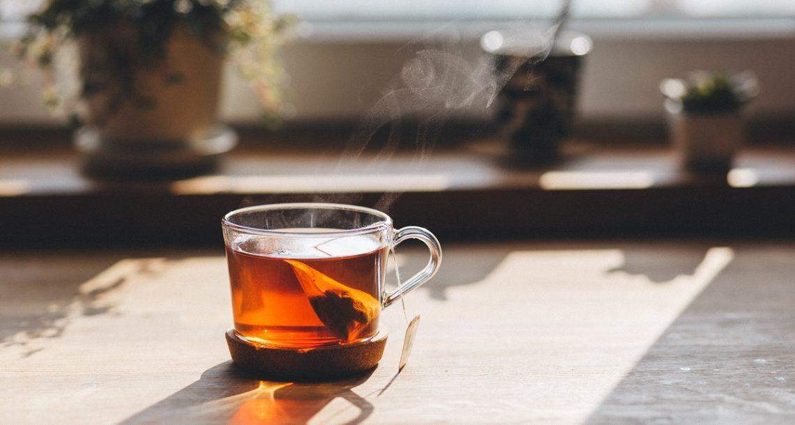 תה ירוק, שחור או לבן: אלו ההבדלים בין סוגי התה שונים