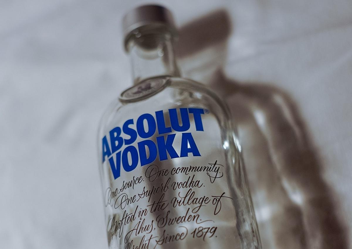 בקבוק וודקה אבסולוט. צילום: Tim Rüßmann